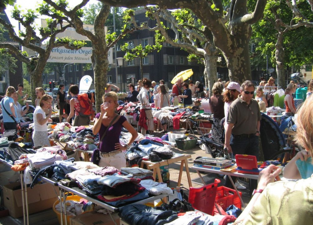 lindleystraße flea market